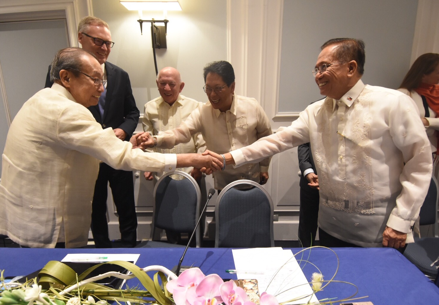 SUCCESSFUL 3RD ROUND. Negotiators of the government and the National Democratic Front of the Philippines declare the 3rd round of talks in Rome a success. Photo from OPAPP