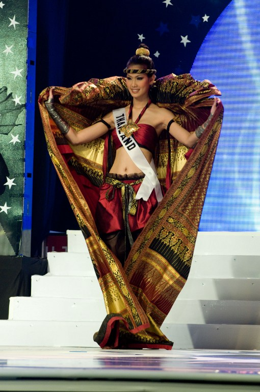 2008 – MUAY THAI INSPIRED.  Gavintra Photijak, Miss Thailand 2008, competes in her National Costume at the Lions Theater in Ho Chi Minh City on June 22, 2008. Miss Venezuela Dayana Mendoza, 22, won the Miss Universe pageant. Photo by Darren Decker/AFP Photo/HO/Miss Universe