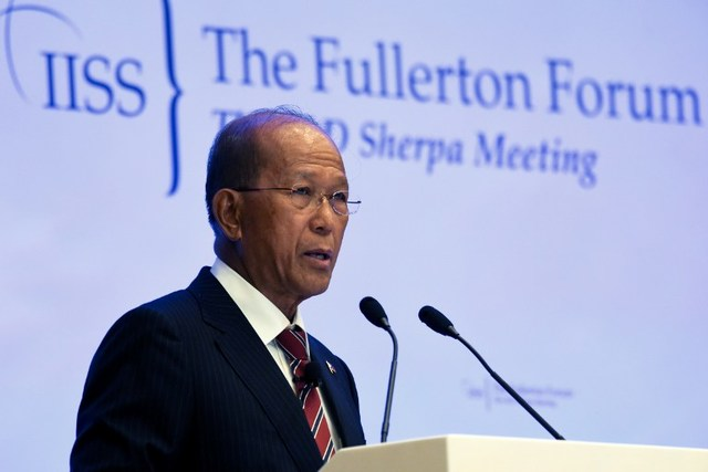 DELFIN LORENZANA. Philippine Defense Minister Delfin Lorenzana addresses the Fullerton Forum at the Shangri-La Dialogue Sherpa Meeting in Singapore on January 23, 2017. Photo by Roslan Rahman/AFP