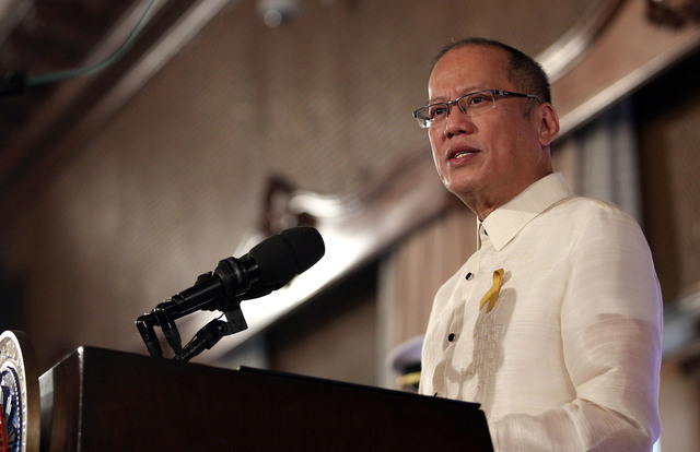 RESPONSE. Former president Benigno Aquino III breaks his self-imposed one-year ban to respond to the tirades of President Rodrigo Duterte on the bloody Mamasapano incident. File photo by Malacañang Photo Bureau