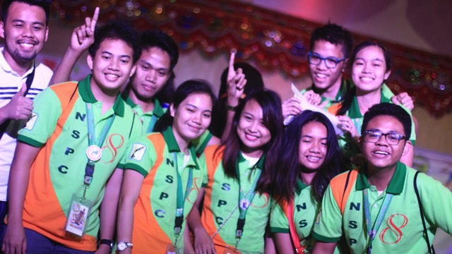 WINNER. Students from Region 8 - Dr Vicente Oresies Romualdez Educational Foundation celebrate after winning the Online Publication Contest Filipino Category at NSPC 2017. Photo by Carl Don Berwin/Rappler