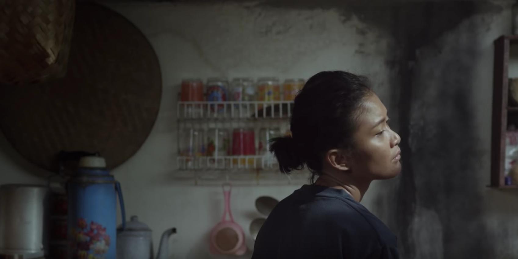 Aktris Marissa Anita berperan sebagai Sipon, istri aktivis Wiji Thukul, dalam film 'Istirahatlah Kata-Kata'. Screenshot dari trailer di YouTube